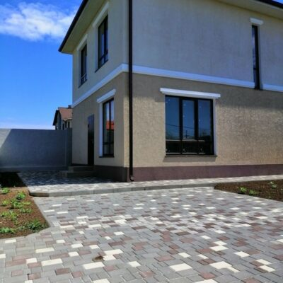 Дом в Червоном хуторе на Таирово