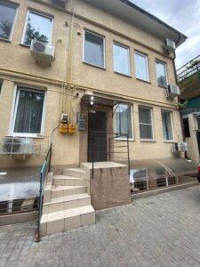 2 комнатная квартира с ремонтом на Троицкой
