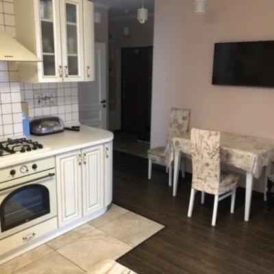2-комнатная квартира в районе 7 станции фонтана