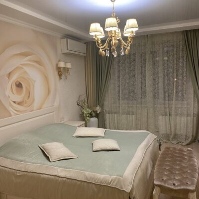 2 комнатная квартира на Зоопарковой.
