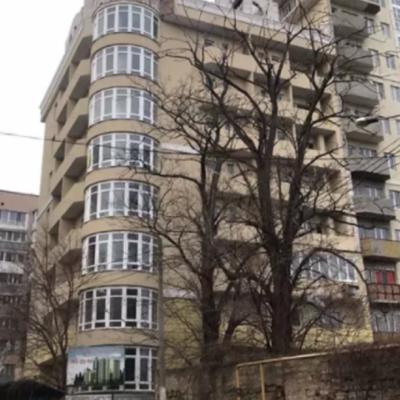 3 комнатная квартира в новом доме на Солнечной