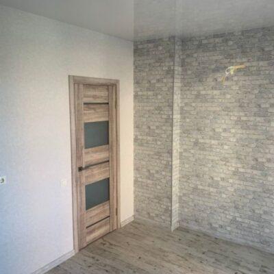 2 комнатная квартира с ремонтом в ЖМ Радужный
