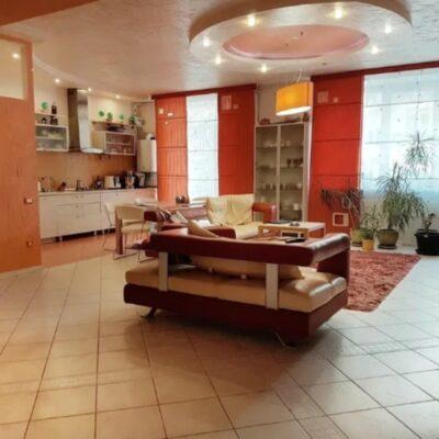 4 комнатная квартира с ремонтом в ЖК Тенистый