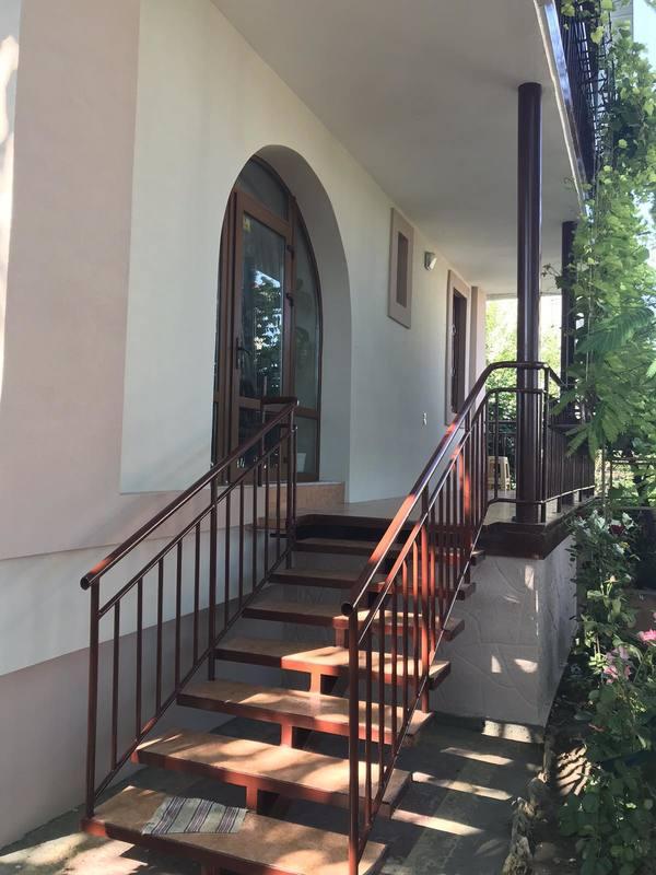 2 этажный дом на Даче Ковалевского