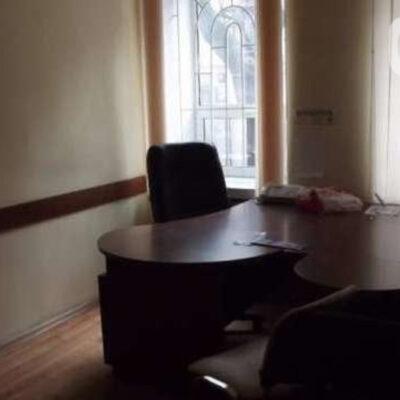 Офис в центре города с арендаторами на Базарной