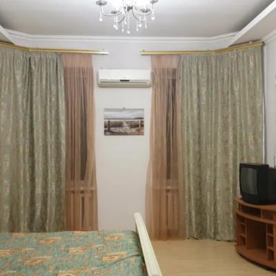 3 комнатная квартира с ремонтом на Тополева
