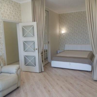 1-комнатная с ремонтом и мебелью в 19 Жемчужине