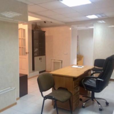 Фасадное офисное помещение в центре на Прохоровской
