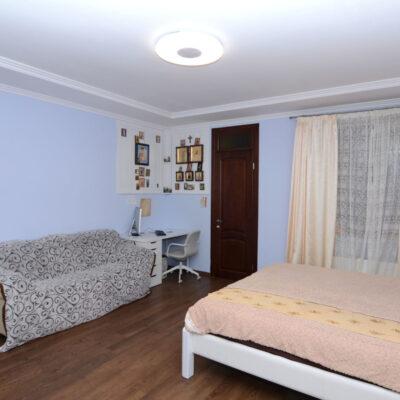 2 комнатная квартира на Кленовой