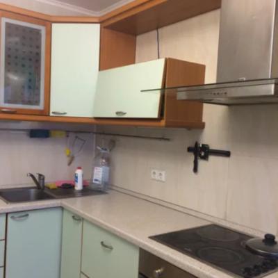 2 комнатная квартира с ремонтом на Пишоновской
