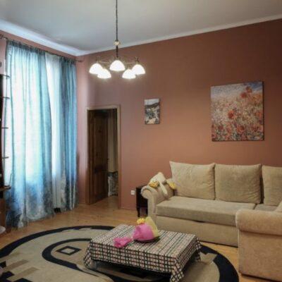 3 комнатная квартира в центре на улице Коблевской