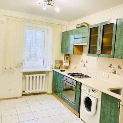 4 комнатная квартира на улице Ильфа и Петрова.