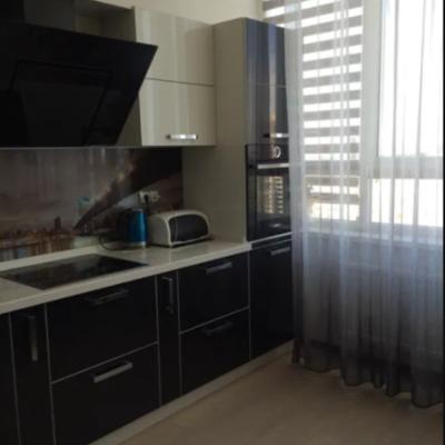 2 комнатная квартира с ремонтом на Армейской