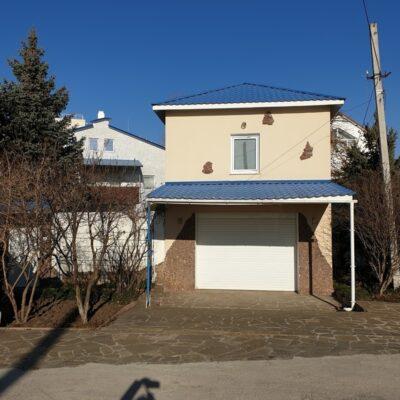 Трехэтажный дом возле Совиньона-1