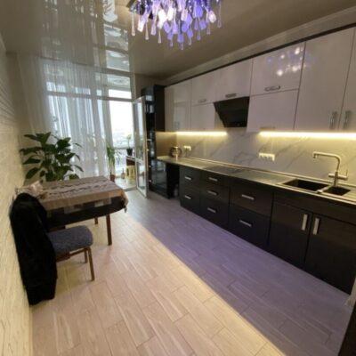 2 комнатная квартира в новом жилом комплексе на Маршала Жукова