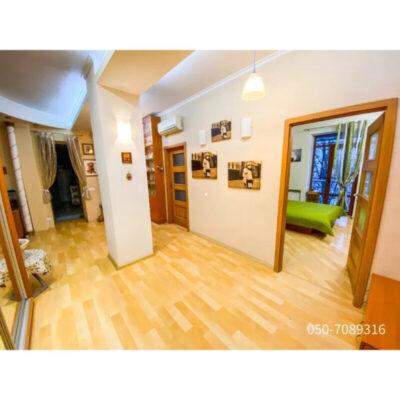 3-комнатная квартира на проспекте Шевченко.