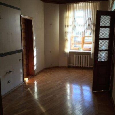 3 комнатная квартира в центре на улице Успенской