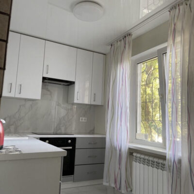 3-комнатная квартира на улице Маршала Жукова