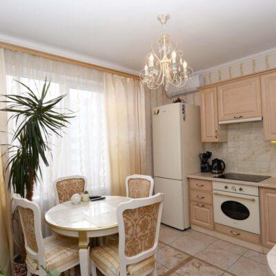 2-комнатная квартира с ремонтом ЖМ Радужный