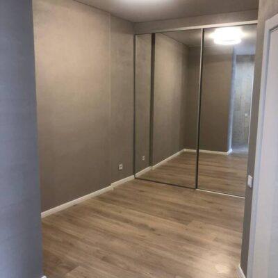 1 комнатная квартира с ремонтом на Каманина