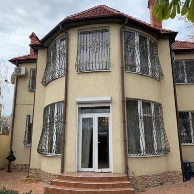 Двухэтажный дом на Люстдорфской дороге