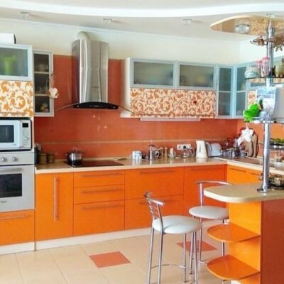 3 комнатная квартира с ремонтом на Кленовой
