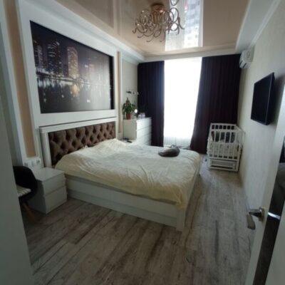 3-комнатная квартира с ремонтом в ЖК Альтаир 1