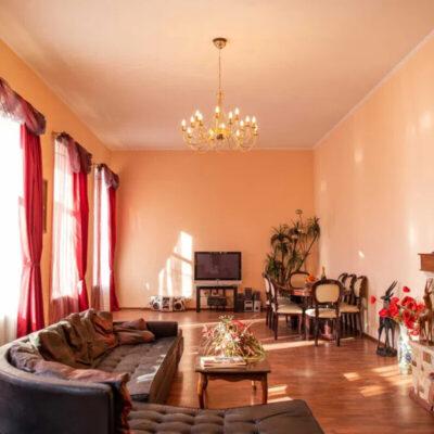 5-и комнатная квартира в центре Одессы.