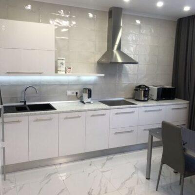 2-комнатная квартира с ремонтом в 31 Жемчужине