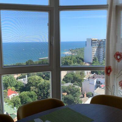 4 комнатная квартира с вип ремонтом в Мукачевском