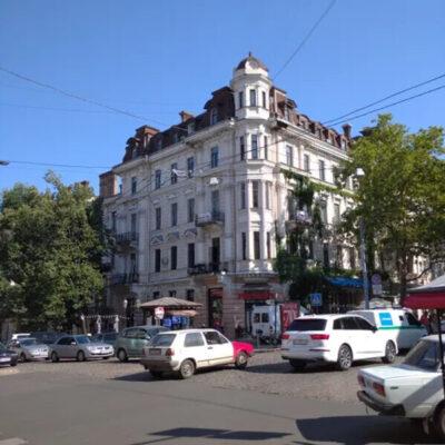 Большая квартира в самом центре Одессы