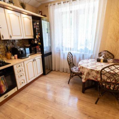 Трехкомнатная квартира на улице Семинарская/Французский бульвар