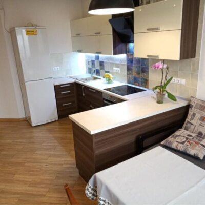 Просторная квартира с ремонтом и мебелью в 5 Жемчужине
