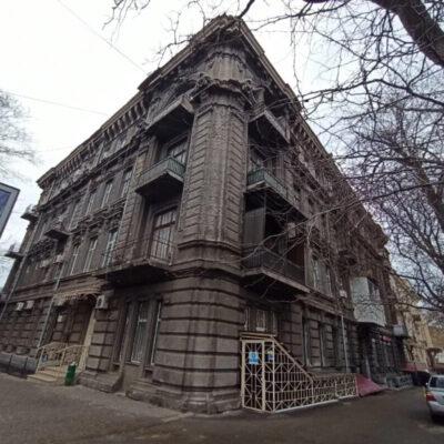 5-комнатная квартира в Центре по ул.Успенская