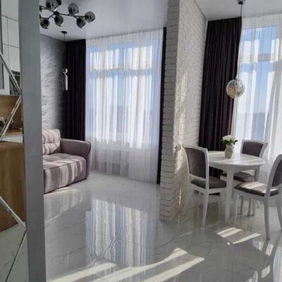 1-комнатная квартира в Аркадии с видом на море