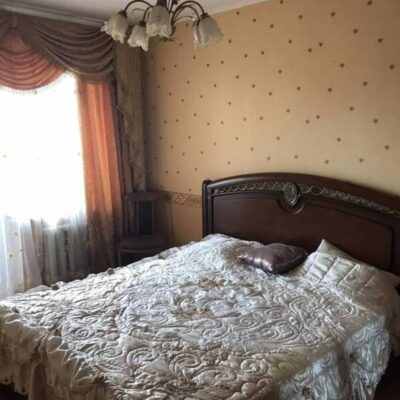 4-комнатная квартира на Вильямса в сотовом доме