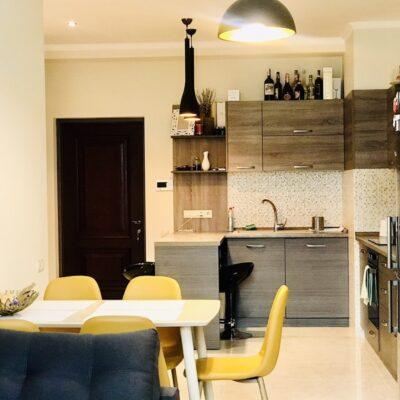 3-комнатная квартира на Французском бульваре.