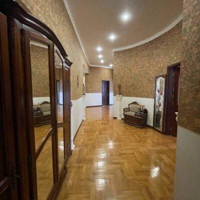 3-комнатная квартира в центре города на Дерибасовской