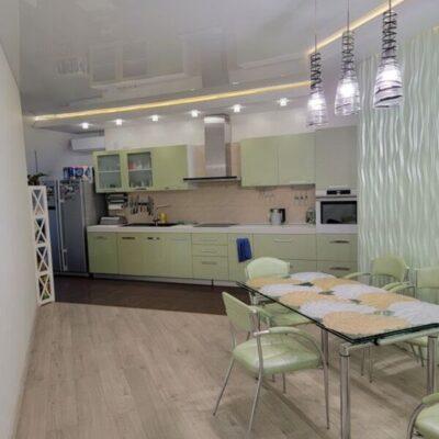 3-комнатная квартира с ремонтом в Чудо Городе