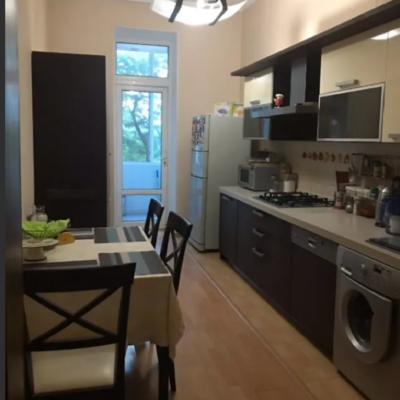 3-комнатная квартира на Бреуса