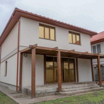 Дом на земельном участке 3.7 сотках в районе Чубаевки с гаражом и террасой