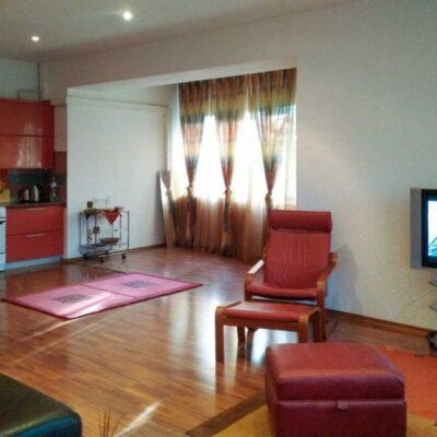 3-квартира с отдельным входом и большой кухней